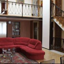 Luxury Apartment & Tours è un Superhost.