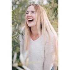 Profil Pengguna Madeleine