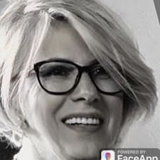 โพรไฟล์ผู้ใช้ Marie-Christine