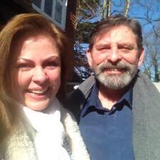 Robbie And Carol to Superhost.