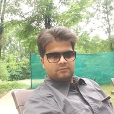 Varun felhasználói profilja