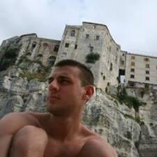 Tiziano felhasználói profilja
