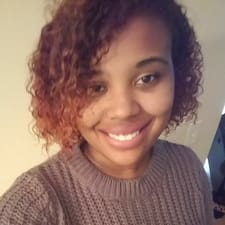 Cherise felhasználói profilja