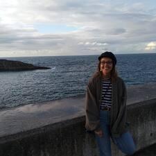 Lucía felhasználói profilja