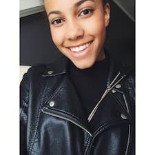 Julia Agnes Brukerprofil