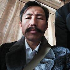 潘高生 คือเจ้าของที่พักดีเด่น