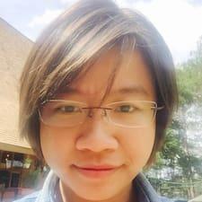 Hương Thi est l'hôte.