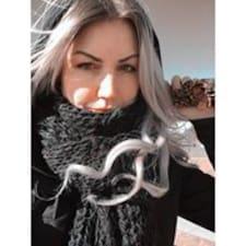 Naomi Brugerprofil