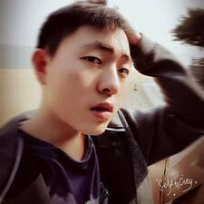 泉松 felhasználói profilja
