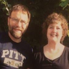 Randall And Karen — суперхозяин.