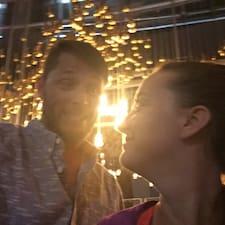 Max Y Natalia es un Superanfitrión