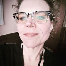 Потребителски профил на Mary