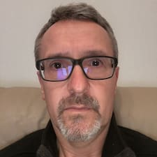Stuart felhasználói profilja