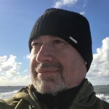 Profil korisnika Knut Benjamin