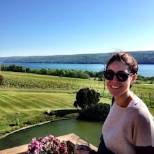 Monica Brugerprofil