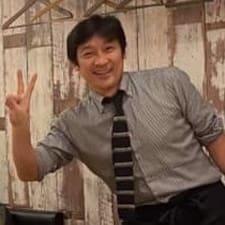 Kenichi is een SuperHost.