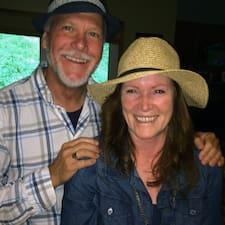 Fred & Karen Superhost házigazda.