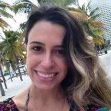 Profilo utente di Elaine Renata