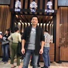 Szu Hsien to Superhost.
