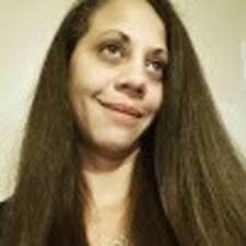 Jeanine felhasználói profilja
