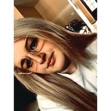 Profilo utente di Julianna