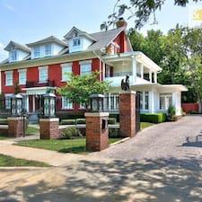 Oak Street Mansion User Profile