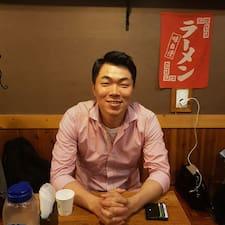 용현 felhasználói profilja