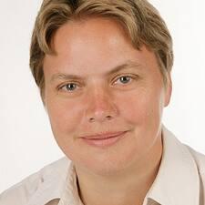 Silvia Anna felhasználói profilja