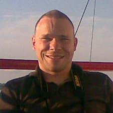 Profil Pengguna Rune