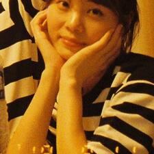 Henkilön Yoonyoung käyttäjäprofiili