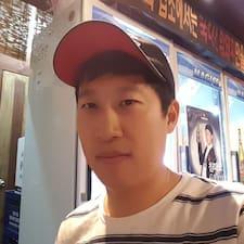โพรไฟล์ผู้ใช้ Sung Kyun