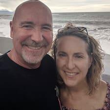 Lori & Steve ברשימת המארחים המצטיינים