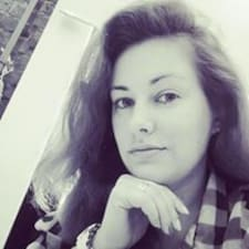 Julia Brugerprofil