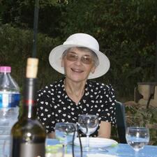 Colette Et Jean-Claude bir süper ev sahibi.