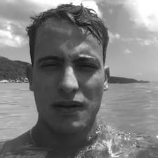 Vitor felhasználói profilja