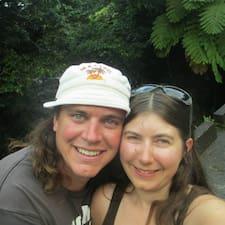 Llegeix més sobre Lisa And Dave