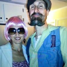 Brett And Gina felhasználói profilja