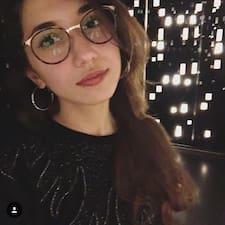 Sarah Lilia User Profile