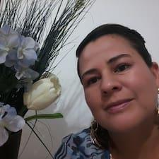 Rosalinda的用戶個人資料