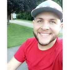 Derrick felhasználói profilja