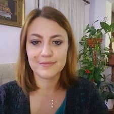 Nicoleta es SuperAnfitrión.