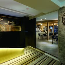 Profil Pengguna Zhong Xiao Hotel