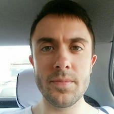 Jon felhasználói profilja