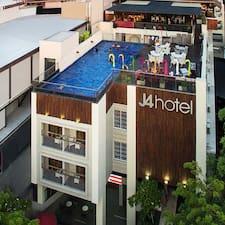 J4 Hotel User Profile