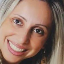 โพรไฟล์ผู้ใช้ Fabiana Cristina
