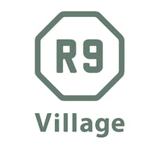 R9 Villageさんのロゴ