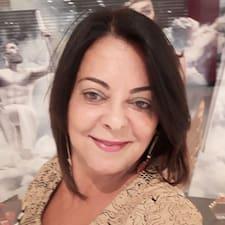 Meire Teixeira Fonseca to Superhost.