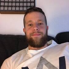 Pol felhasználói profilja