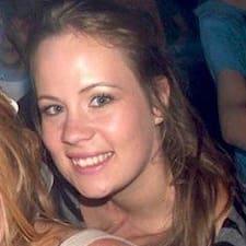 Chloe felhasználói profilja