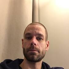 Profil Pengguna Tobias